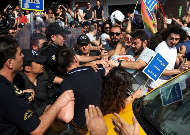 Turkish riot police clash with activists in Istanbul, June 2015. © OZAN KOSE/AFP/Getty Images