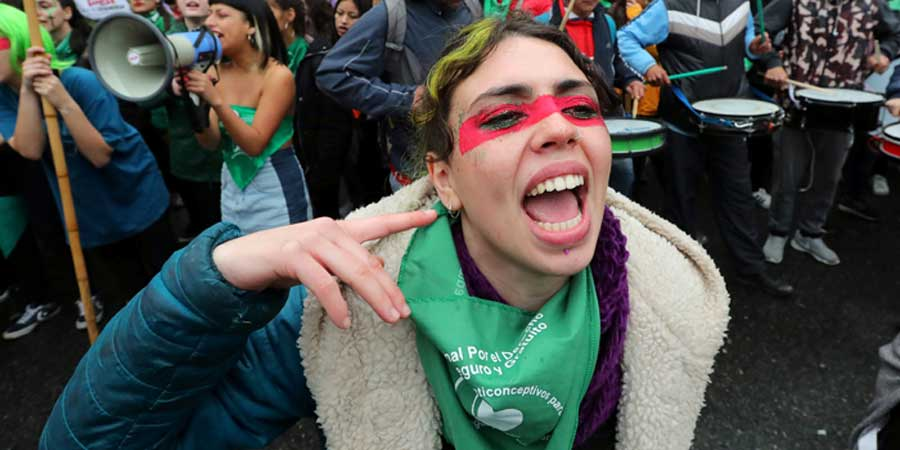 A woman protests for access to abortion in Buenos Aires